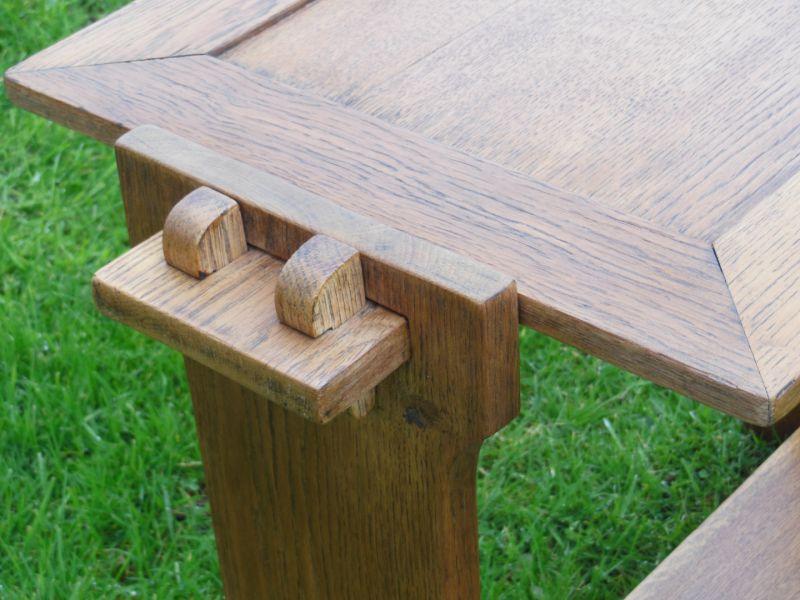 Petite table ch ne d but xx me art design for Table design for debut